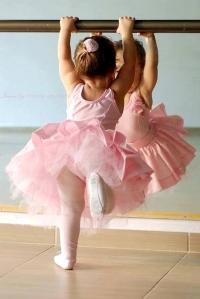 Ballet_Baile_Clásico_Danza_Deportes_y_juegos_niños_plan_vida_saludable_PintandoUnaMama