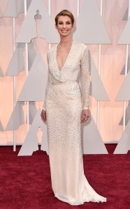 rs_634x1024-150222152718-634.faith-hill-oscars.ls.22215